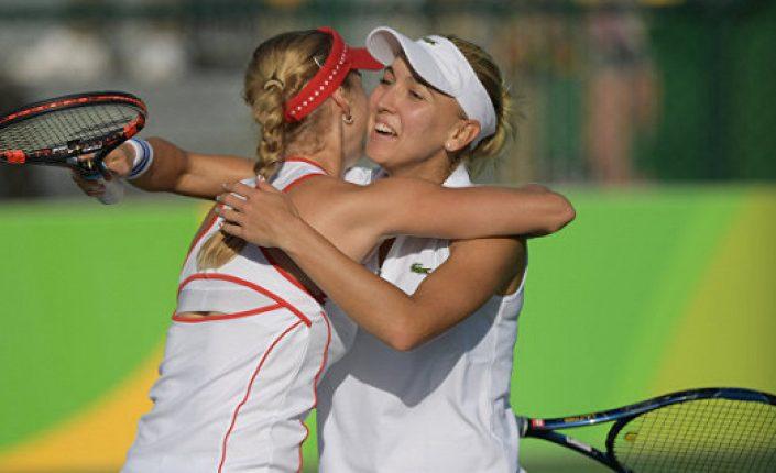 Макарова и Веснина вышли в четвертьфинал Уимблдона в парном разряде